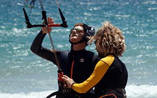 Escuela dekitesurf en Tarifa y Algeciras-Velair-Deportes de agua