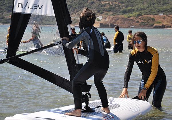 Campamento verano-windsurf