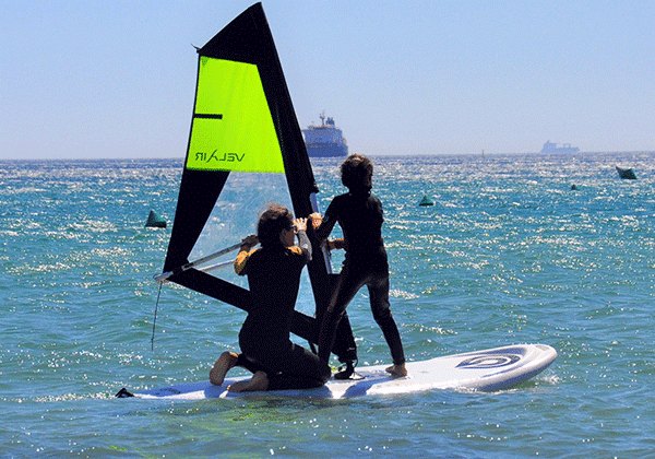 Campamento verano-cursos de windsurf