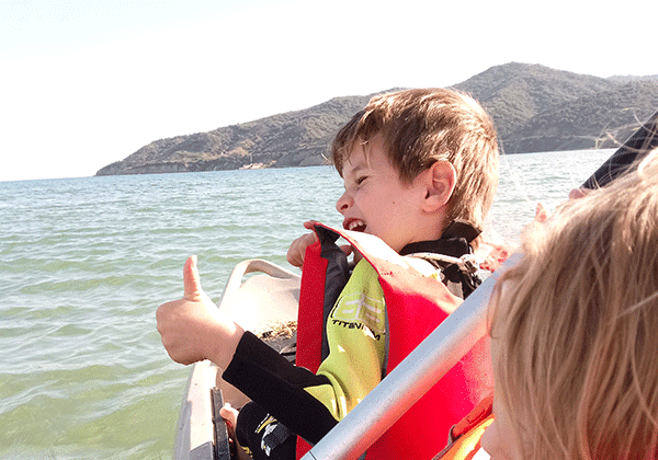 Rutas en kayak en el campamento de verano